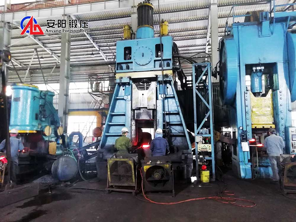 how to operate hammer forging machine safely